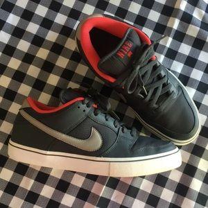 Men's NIKE shoes size 10